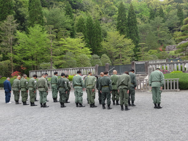 26年4月29日昭和の日、武蔵野御陵墓参