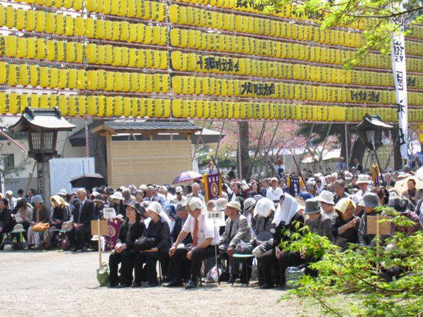 27年4月29日青森縣護國神社、献燈みたま祭り03